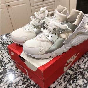 Nike Huarache Run *NEW*